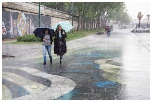 """A wet walk"""". Street photography in Paris"